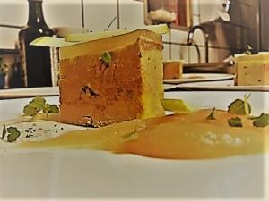 Foie gras mi cuit, pâte de coing
